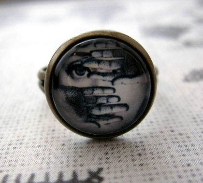 sale - peekaboo ring