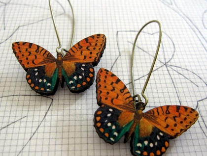 Tan spotted butterfly earrings