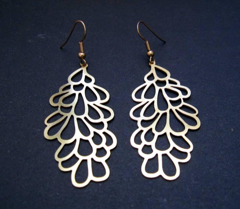 Falling petals earrings
