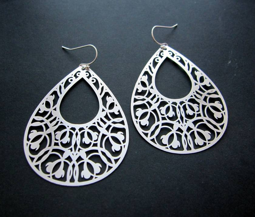 sale - Filigree teardrop earrings