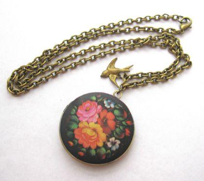 Floral burst locket necklace