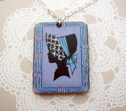 sale - retro cameo necklace