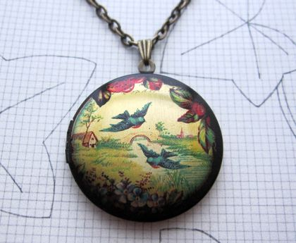 Sale - Patterned brass locket necklace - birds