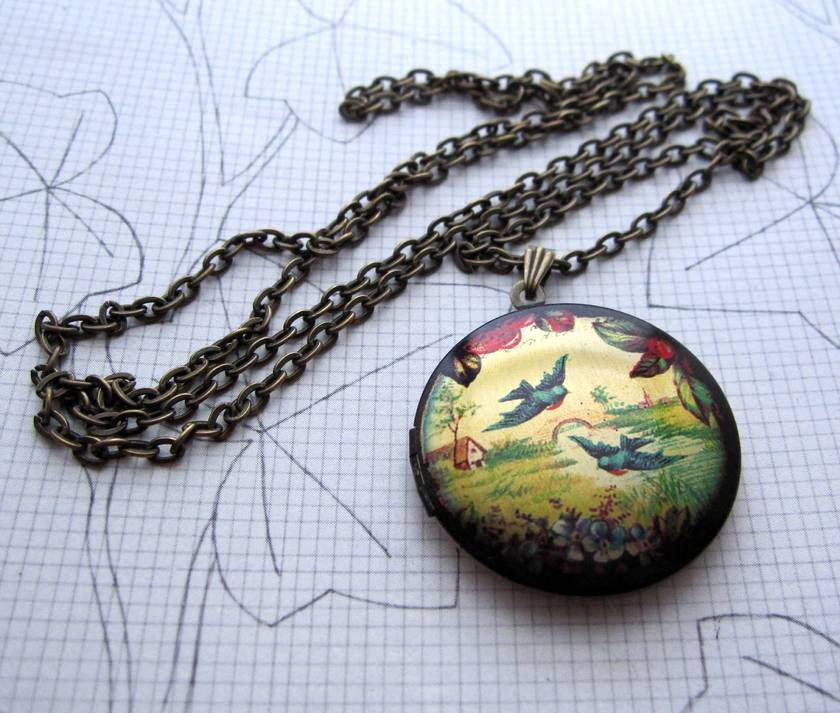 Sale - Patterned brass locket necklace - birds