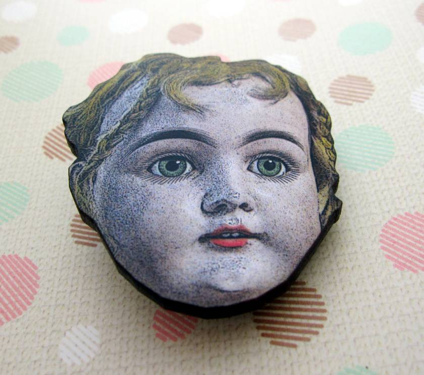 Doll head brooch 2