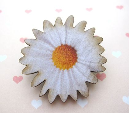 sale - Daisy brooch