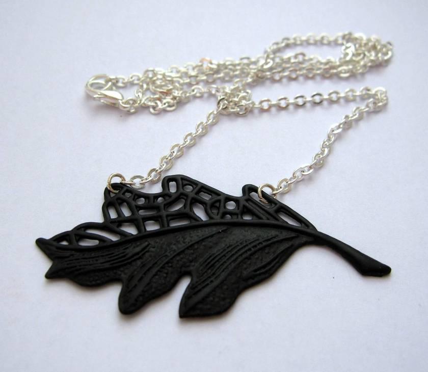 Black leaf necklace