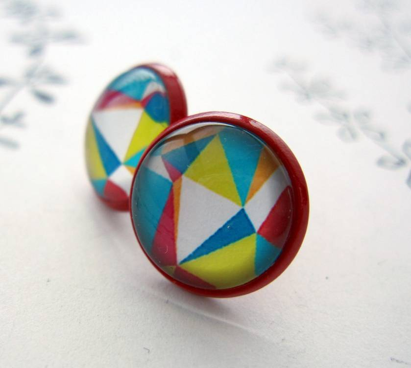 Triangles - glass dome earrings in red stud base.