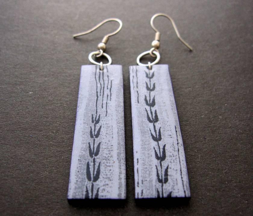 meadow earrings in pale silvery grey