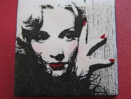 Marlene Dietrich brooch