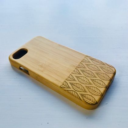 WOODEN PHONE CASE iPhone 8 etched leaves