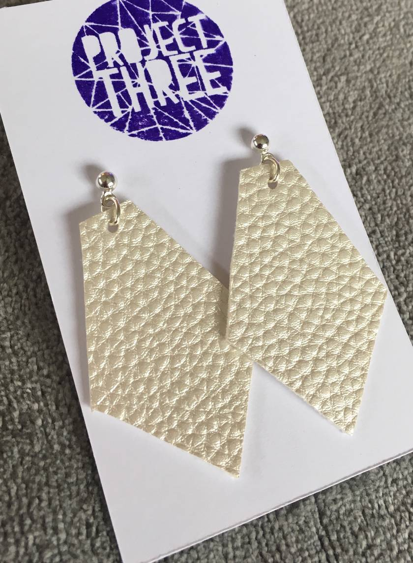 Kite vegan leather earrings - large metallic silver