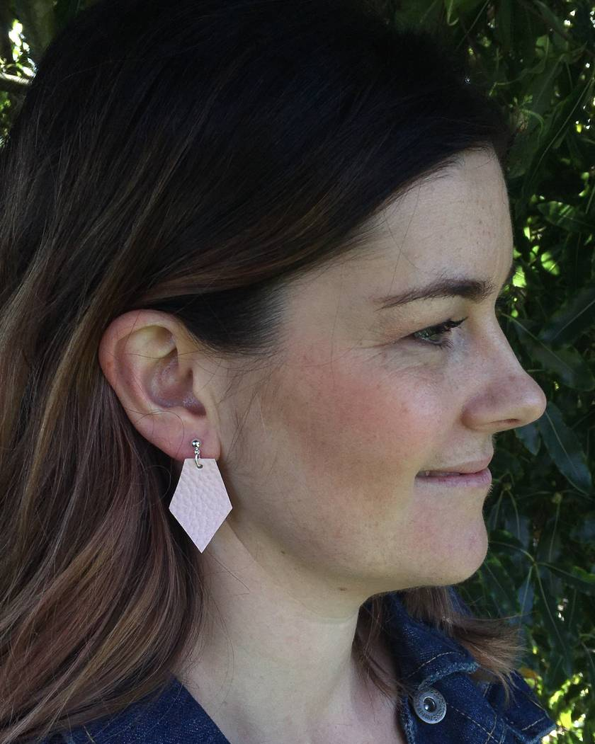 Kite vegan leather earrings - small blush pink