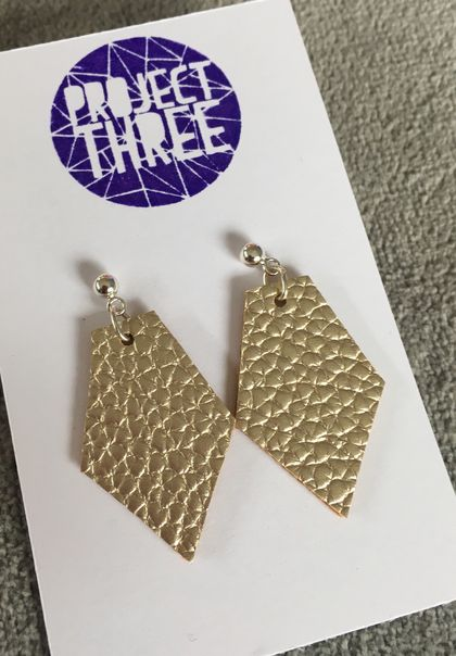 Kite vegan leather earrings - small gold