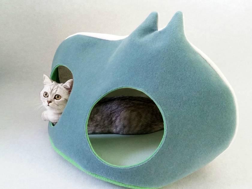 Designer CAT COCOON - size XL - NZ Made