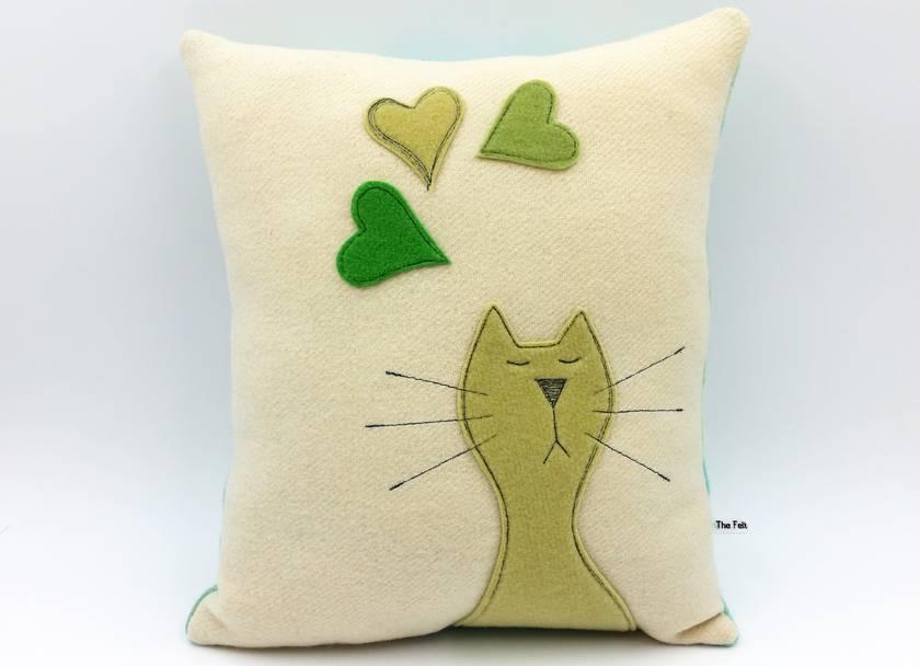NZ Wool Cat Cushion - FREE Shipping - NZ Made