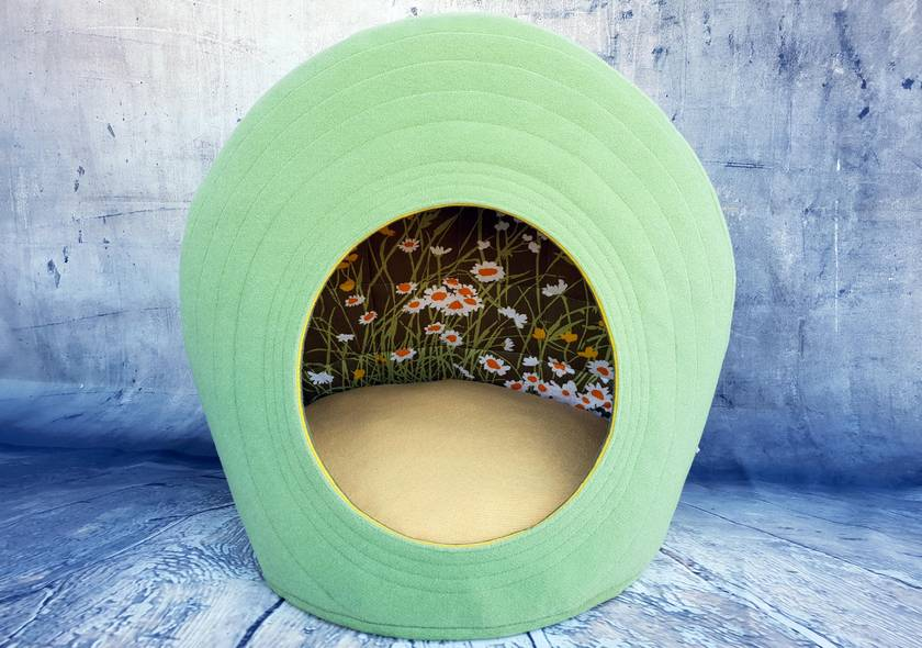 Eco CAT BED - Field of Daisy's - NZ Made - Large