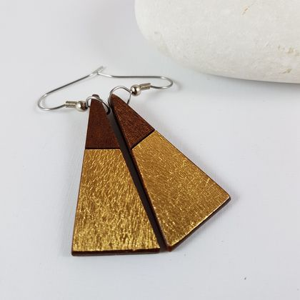 Wooden drop earrings with a touch of gold