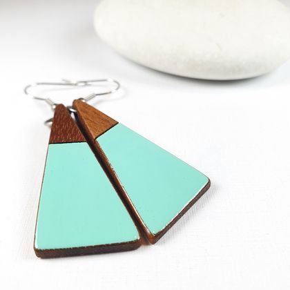 Wooden drop earrings with a touch of Amalfi Blue