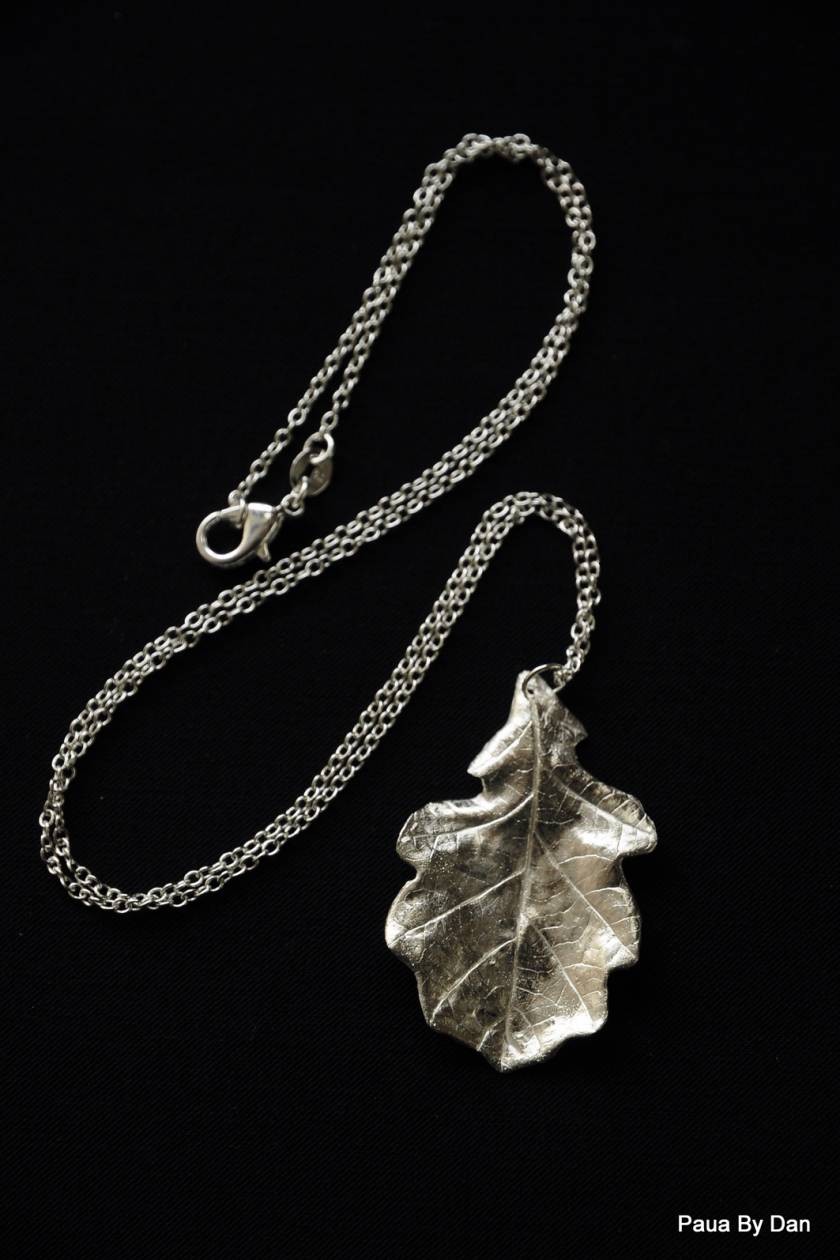 Fine silver oak leaf necklace