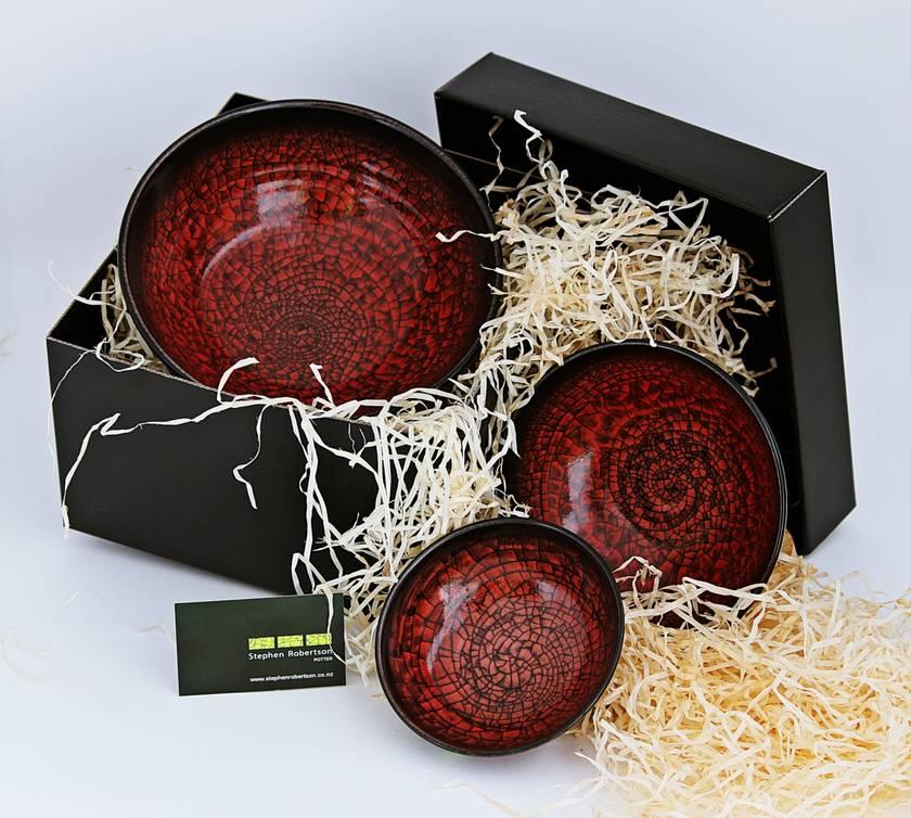 Boxed Nest of Bowls Red Craze Glaze