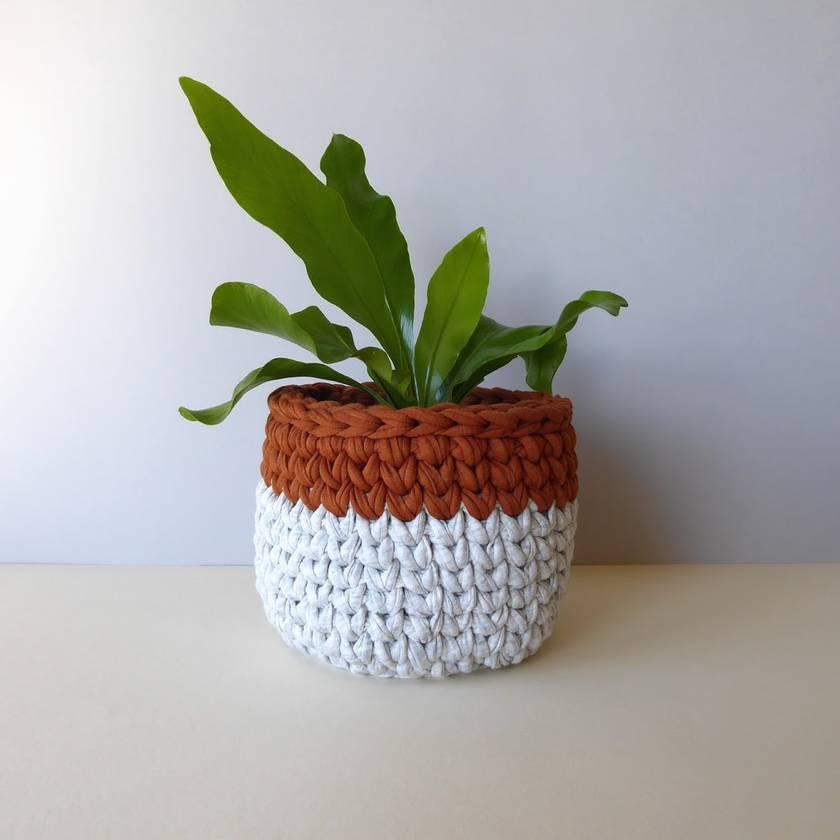 Small planter (cloud & rust)