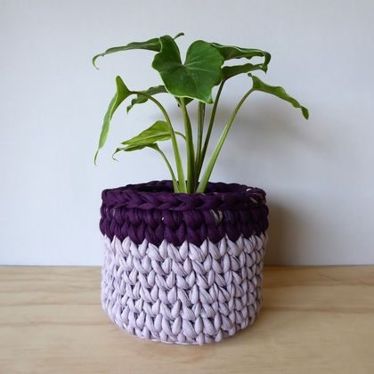 Small Planter (Lilac/Deep plum)