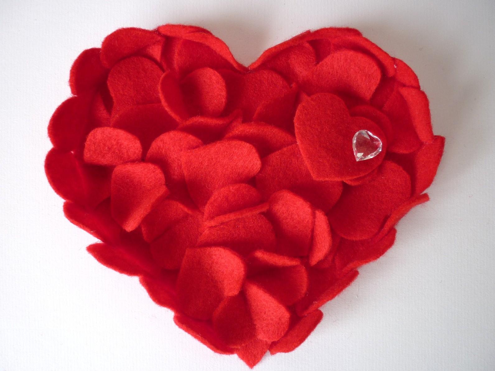 Wall Art Love Hearts : Framed love heart art felt