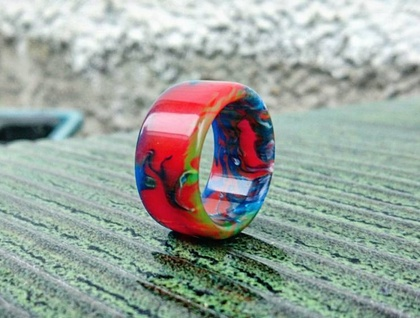 Resin Ring *Street Graf* Size USA 8 1/2 or UK/AUS Q 3/4  *Free Shipping*