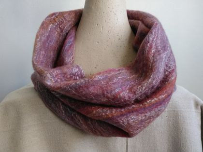 "NZ Alpaca - Merino Loop Scarf ""Wild Rose"", wet felted wool with silk & alpaca fibre , handmade light & soft fine felt, circular infinity scarf, casual wear"
