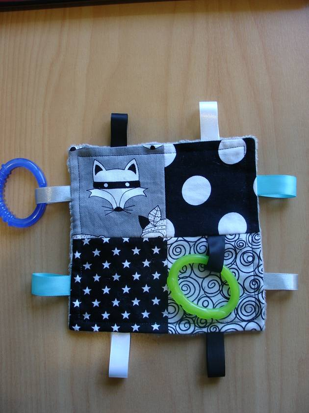 Sensory Taggie - Great  Gender Neutral fabric)