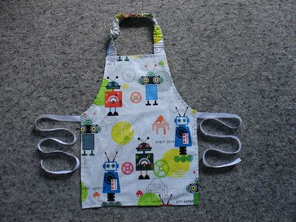 Child's Apron - size 2-3 years - Very Cute