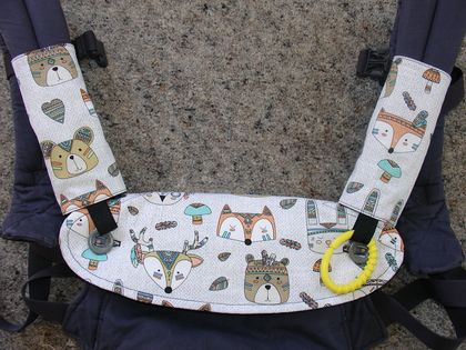 "Ergo360 Drool Bib & Drool Pad set - ""Tribal Animals"""