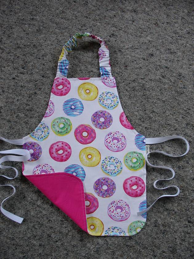 Child's Apron - size 2-3 years