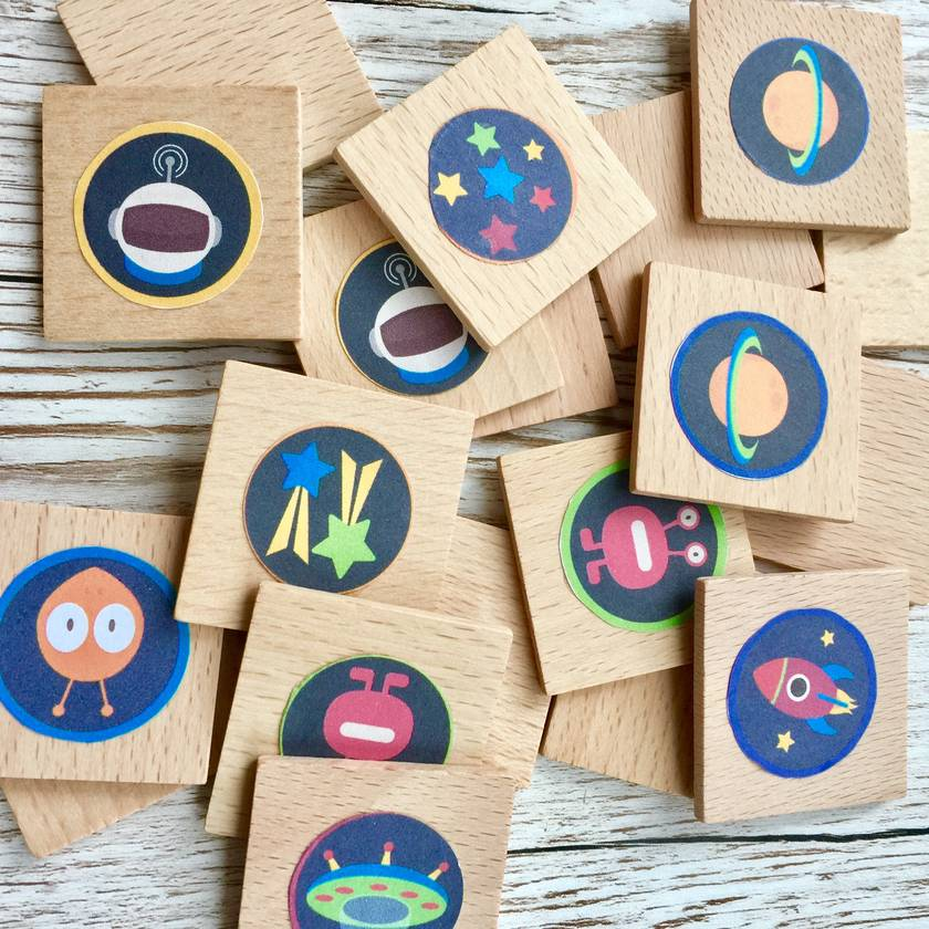 LIFE IN SPACE MEMORY GAME