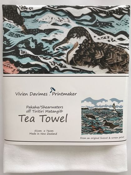 Shearwaters/Pakaha Tea Towel - New Zealand Native Birds collection