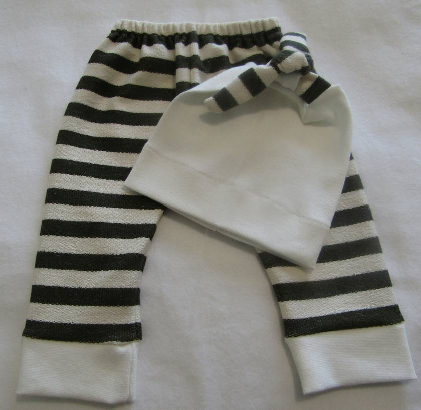 Baby Leggings with matching Beanie. 2 styles.