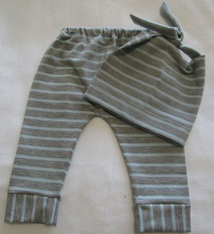 Baby Leggings with matching Beanie. 0-3 months. 4 Styles