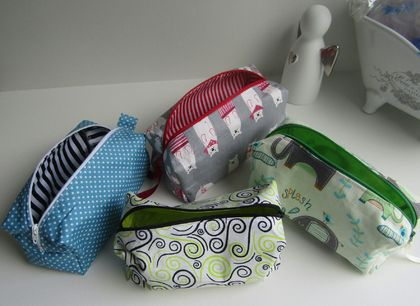 Zippered pouch - box shaped (3)