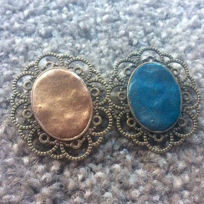 Vintage style brooches, your choice of colour