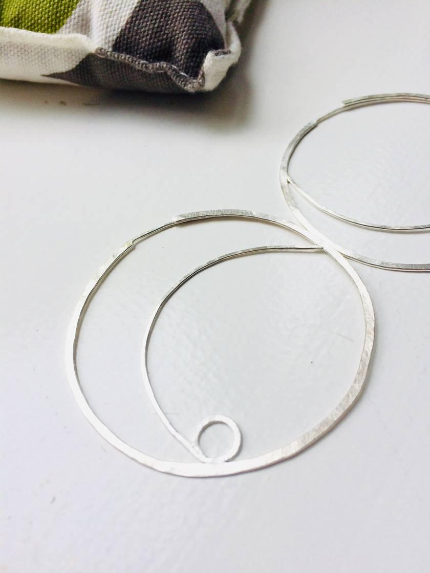 Medium koru circle hoop earrings with inline post