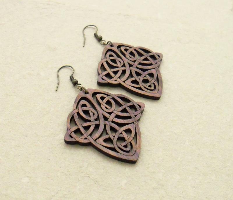 Fashion jewellery earrings