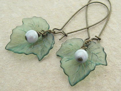 Baneberry earrings: green leaves & white berries