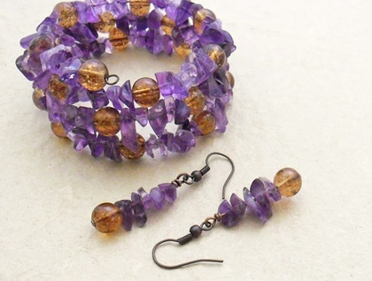 Amethyst chip and copper-coloured crackle-glass earrings on antiqued-copper hooks