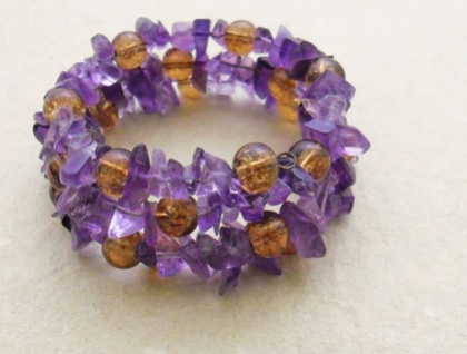 Amethyst and copper-coloured crackle-glass memory wire wrap bracelet