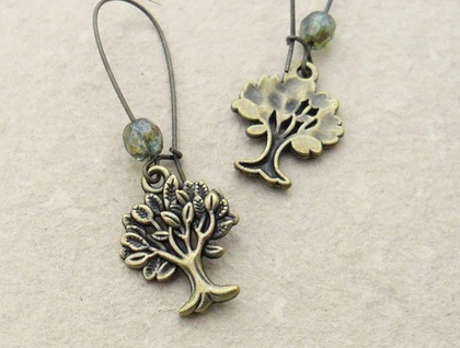 Mighty Tree earrings in bronze with sparkly Czech glass in 'emerald glow'