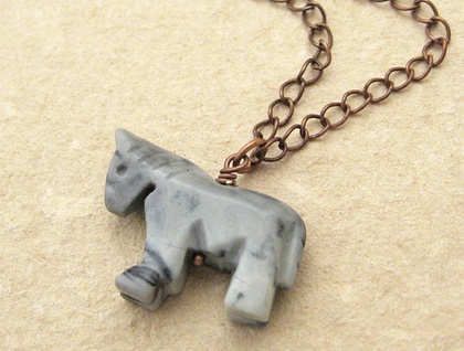 Semiprecious stone pony necklace in marbled grey on antiqued-copper coloured chain - so cute!