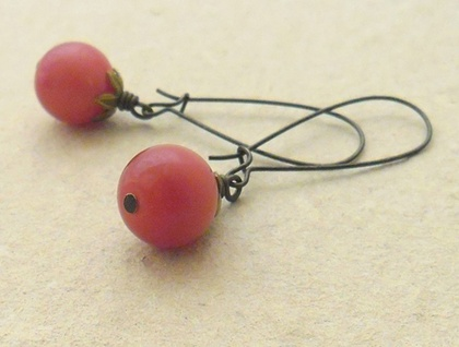 Cranberry earrings: vintage, light red beads on bronze ear-wires –last pair!