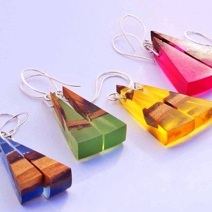 Small Toki Earrings in Bio-Resin and Recycled Rimu