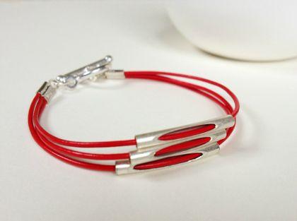 Peekaboo Bracelet